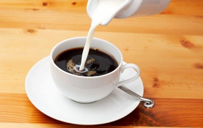 cafe de filtro lleva poca leche